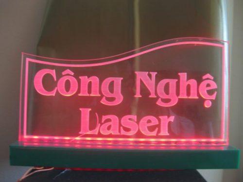 Khắc laser trên mica