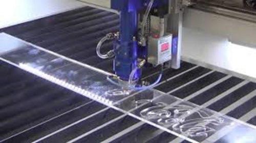 cắt mica bằng máy laser