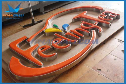 cắt chữ mica được sử dụng trong quảng cáo