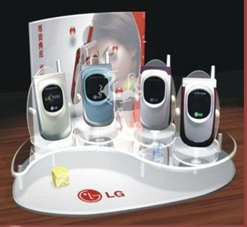 Kệ mica trưng bày điện thoại ngày càng trở nên phổ biến