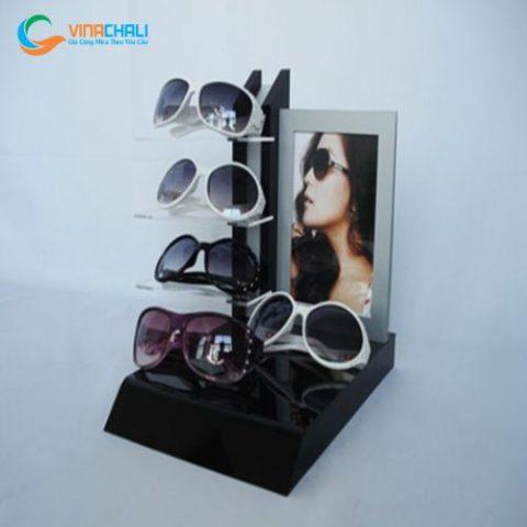 Kệ mica trưng bày mắt kính 10 3