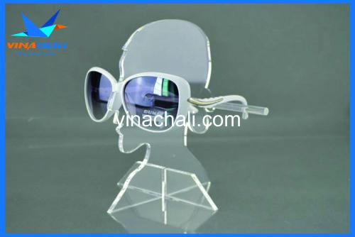 kệ mica trưng bày kính mắt giá rẻ