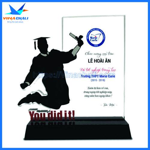 Kỷ niệm chương lễ tốt nghiệp nam 3
