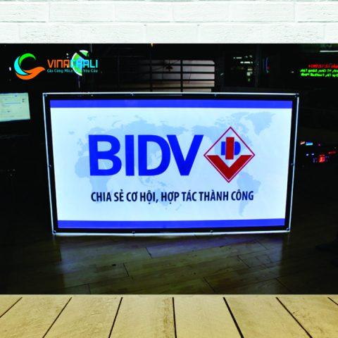 Tranh điện ốc chân kính BIDV 1